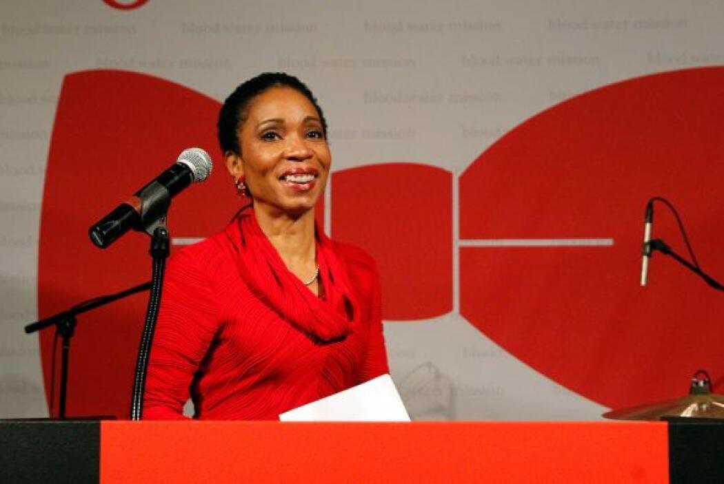 78.- HELENE GAYLE. Es la CEO de Care USA, una organización humanitaria q...