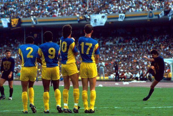 - Por tercera vez en siete años, América y Pumas jugaban u...