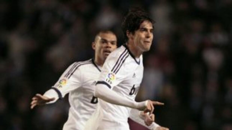 Kaká hizo el gol del empate y dio el pase del segundo.