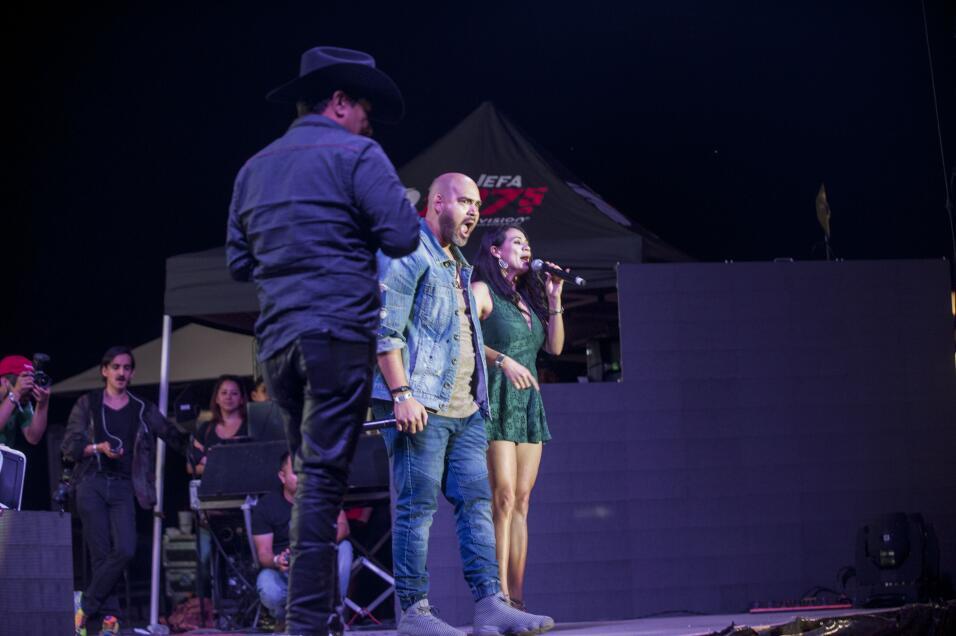 7 escenarios y mas de 50 artistas en 3 dias fueron los ingredientes para...