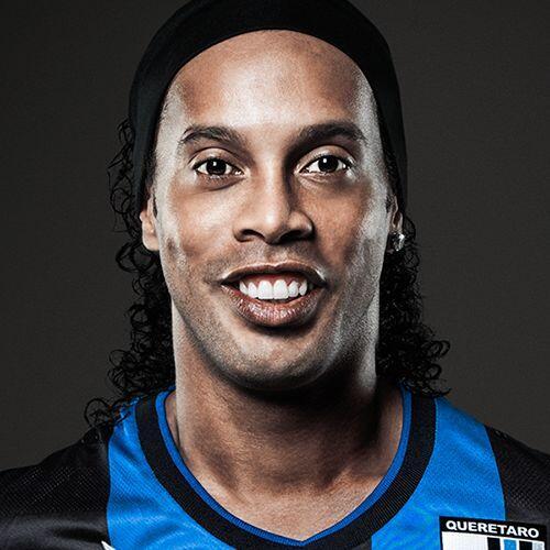 Ronaldinho, nuevo jugadore de Gallos tiene 10,802,487 followers en la re...
