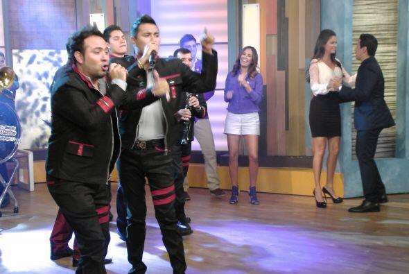 Este miércoles, Germán Lizárraga y su banda Estrellas de Sinaloa nos pus...