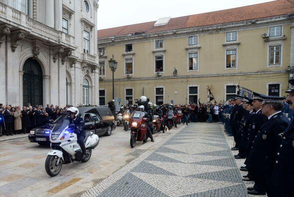 Tras una breve parada, la marcha continuó hasta la iglesia del barrio de...