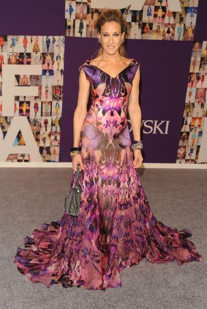 Es una gran admiradora de los diseños de Alexander McQueen y aqu&...