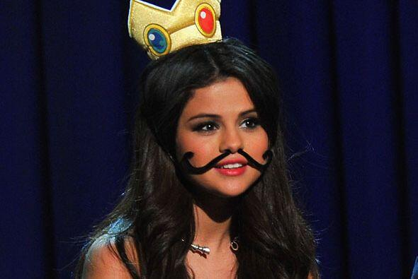 Después de una charla sobre la cinta, Selena fue transformada en la prin...