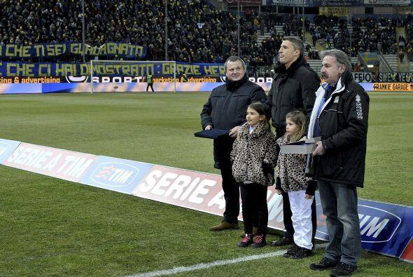 Parma fue el primer club   donde el delantero jugó en Italia y Eu...