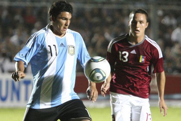 Argentina tuvo como recursos la posesión de la pelota y su soltura en el...