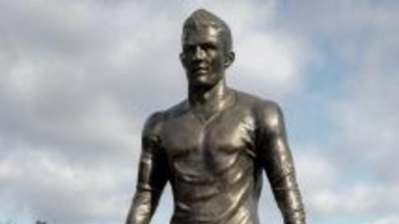 La estatua de Cristiano Ronaldo ha causado polémica entre los a seguidor...