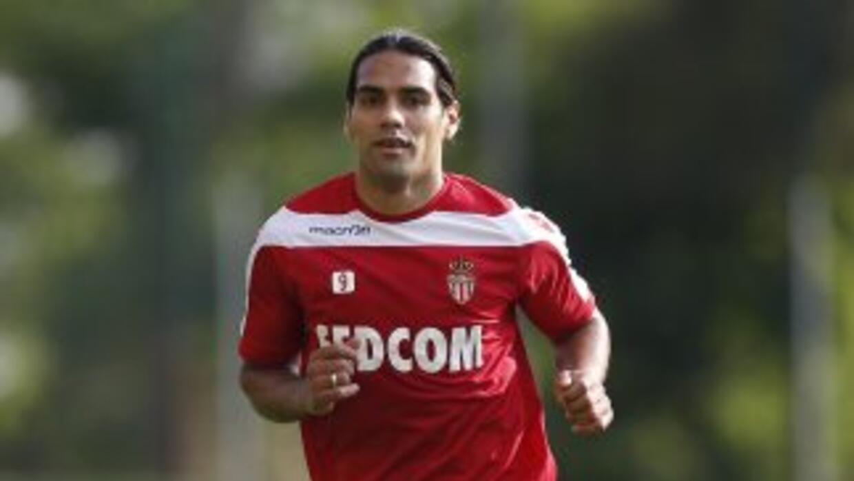 El acta de nacimiento del futbolista Radamel Falcao García, publicada po...