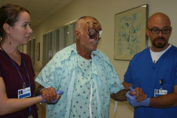 Ronald Poppo, ahora de 65 años, fue atacado por Rudy Eugene mient...