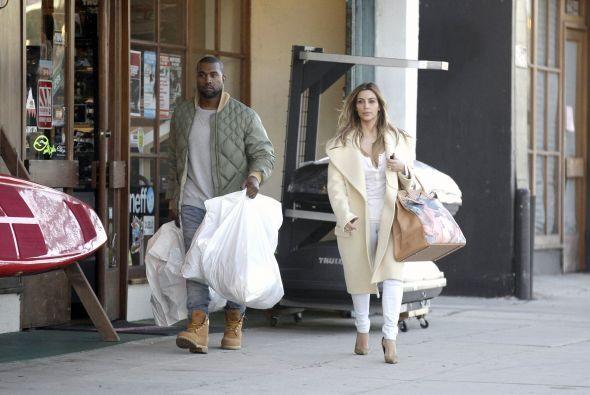 Notamos que la socialité llevaba un bolso muy peculiar. Mira aquí los vi...