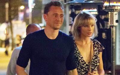 Tom Hiddleston es cuestionado sobre Taylor Swift
