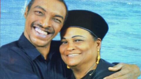 Autoridades de inmigración detuvieron al hijo del boxeador Muhammad Ali...