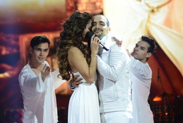 """José Palacio cantó con Virginia Stille el clásico de Miguel Bosé, """"Aire..."""