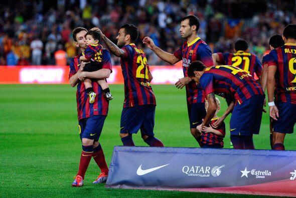 Lionel no dejó pasar la ocasión para aparecer en la foto d...