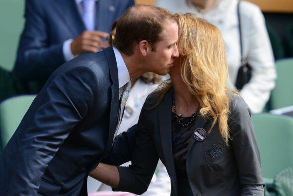 Graf iba acompañada por su esposo, Andre Agassi.