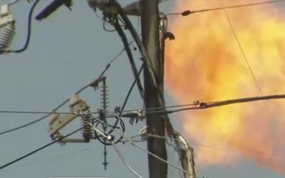 Una fuga de gas provoca la evacuación de varios negocios en el centro de...