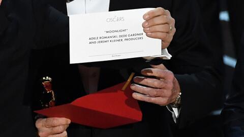 ¿Sabías que el error histórico de los Oscar no fue el único de la noche?