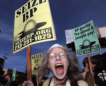 Protestas al mínimo. El derrame de crudo comenzó el 20 de abril. En 86 d...