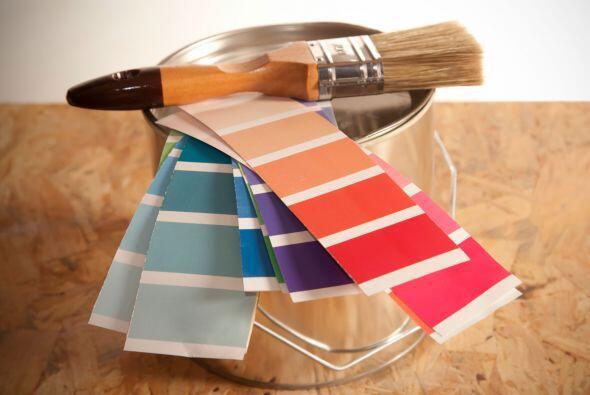 Elegir los tonos para pintar las paredes de los diferentes ambientes de...