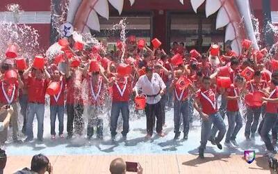 Los Tiburones rojos de Veracruz cumplieron con el reto del IceBucketChal...