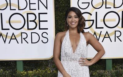 Gina Rodriguez, bellísima con un vestido de aires del cine cl&aac...