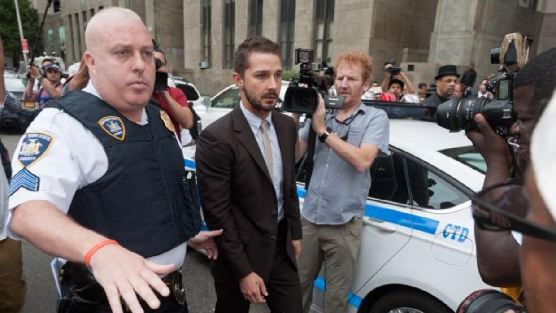 El controvertido actor se presentó a la Corte en New York junto a su abo...