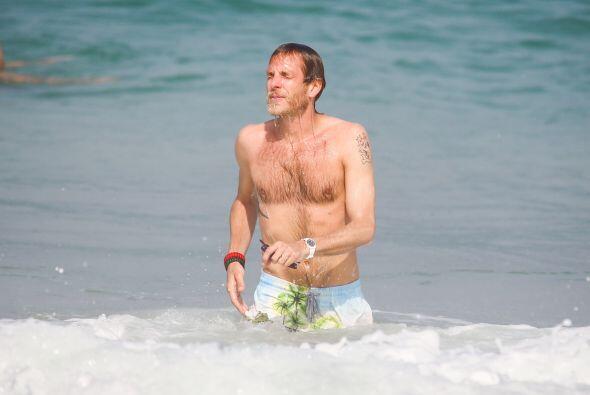 Andrea Casiraghi en el mar. Mira aquí los videos más chismosos.
