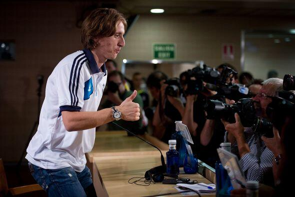 Modric se mostró contento y amable ante todos los medios de comunicación...