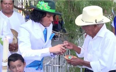 ¿Una boda entre un árbol y un hombre en México?