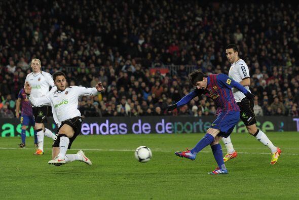 Messi seguía igual, con opciones de marcar, pero la pólvora mojada.