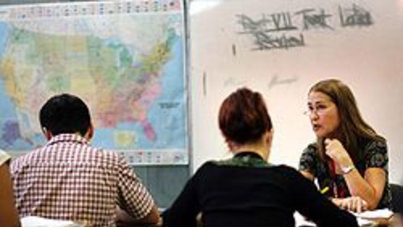 Nueva ley que limita estudios étnicos aviva la polémica en Arizona 4025f...