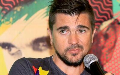 Juanes se entrevistó al estilo Juan Gabriel
