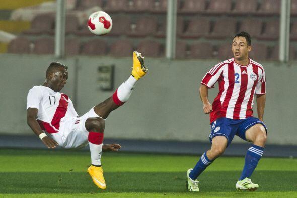 Perú venció 2-1 a Paraguay en un emocionante partido amistoso disputado...