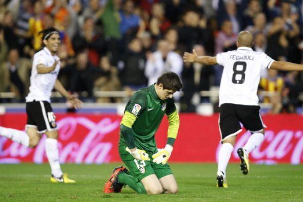 EL Atl♪0tico deja solo al Barcelona en la punta de la Liga.