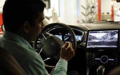 Ford planea proyectar películas en coches de conducción autónoma