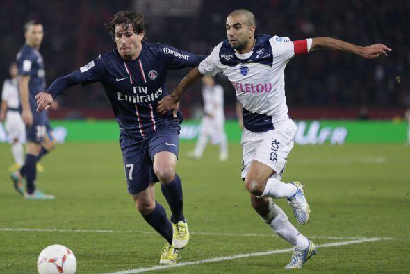 La lateral izquierda es para el brasileño Maxwell, del París Saint-Germain.