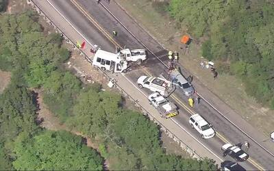 12 muertos y tres heridos tras choque en el sur de Texas que involucr&oa...