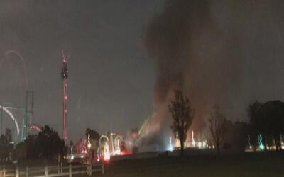 Bomberos atienden emergencia por un incendio en Buena Park