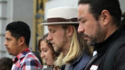 Opositores de la polémica ley SB1070 de Arizona durante una vigilia en C...
