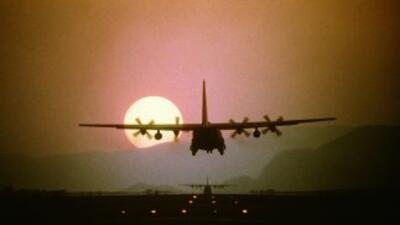 Aviones hércules C-130 de Estados Unidos lanzaron ayuda humanitaria en e...