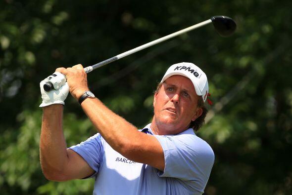 5. PHIL MICKELSON- Su exitosa carrera como golfista ha llevado a Mickels...