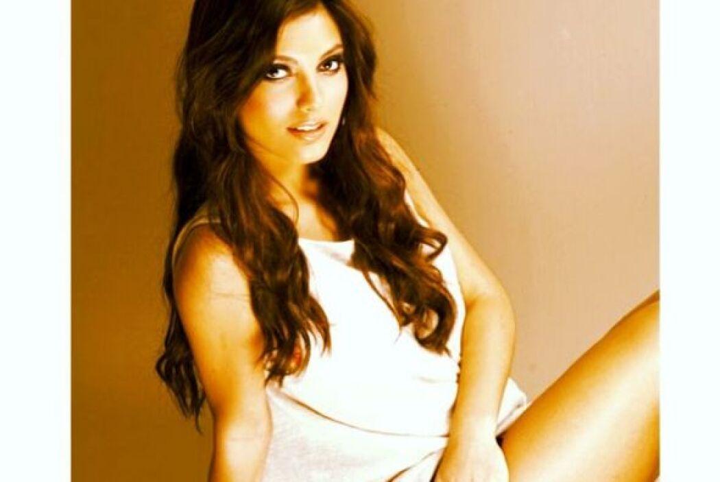 María Elena es muy joven y tiene una carrera prometedora.