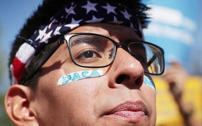 DACA protege a entre 1.2 y 1.3 millones de jóvenes indocumentados...