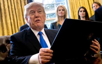 En un minuto: Trump pedirá a su gabinete un plan para definir el futuro...