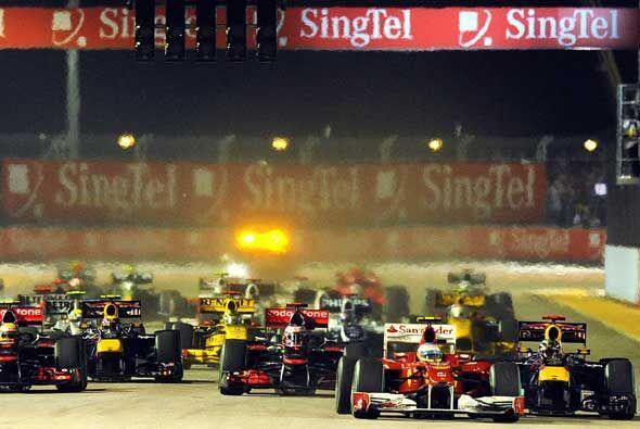 El piloto español de la Ferrari se aseguró de defender su...