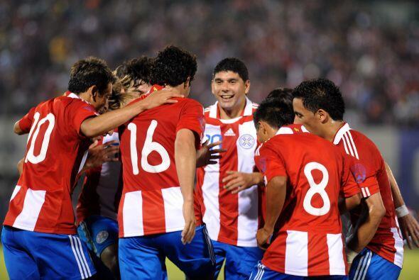 Honrando a su compañero, el equipo paraguayo venció 2-0 a...