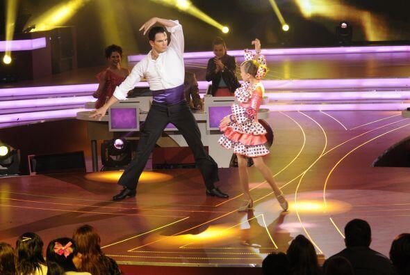 Julio Camejo se adaptó bastante bien a bailar con Nicole, aunque...