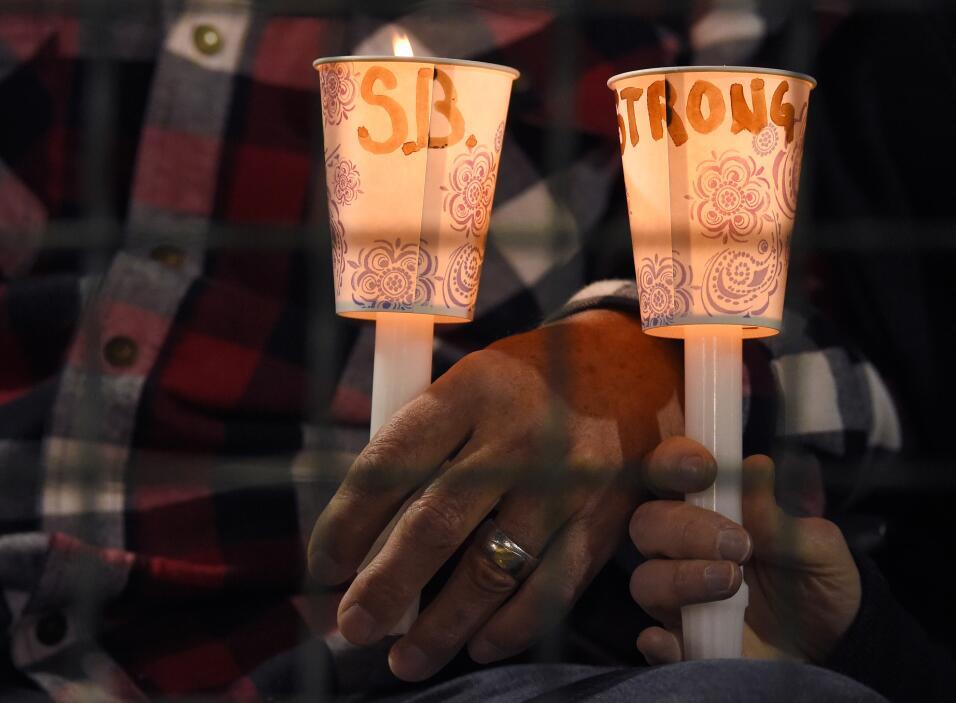 Las víctimas hispanas de tiroteo en California  vigilia22.jpg