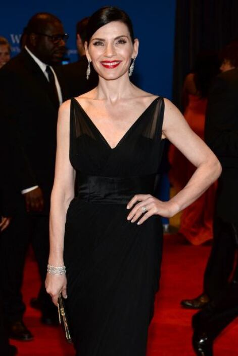 "Otro vistazo a Julianna Margulies de ""The Good Wife"". Mira aquí los vide..."